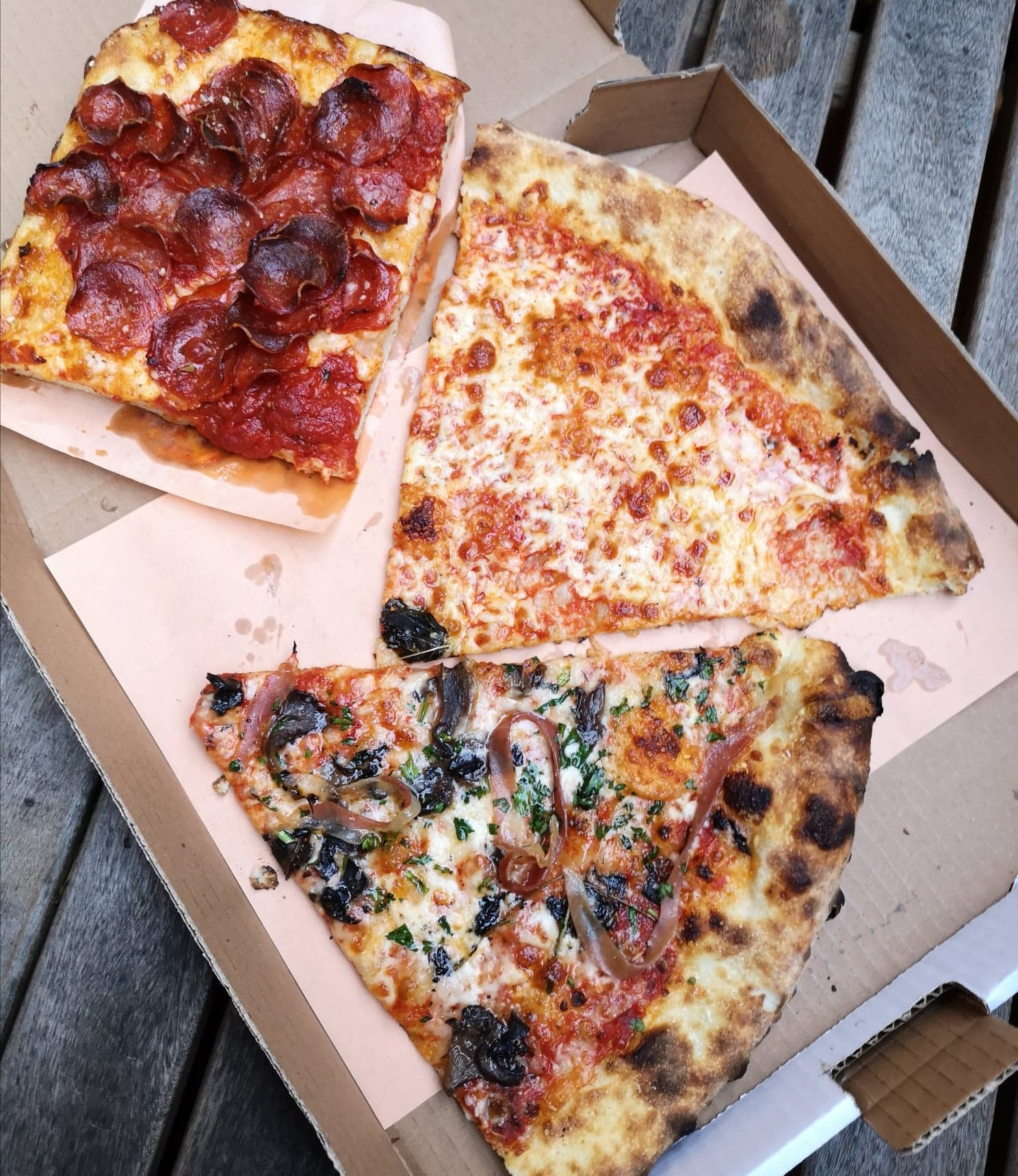 gentile_pizza_NY_style_montreal